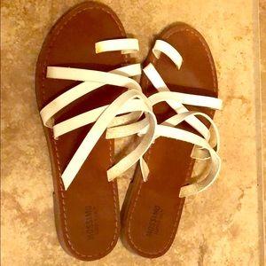 Women's strappy sandals